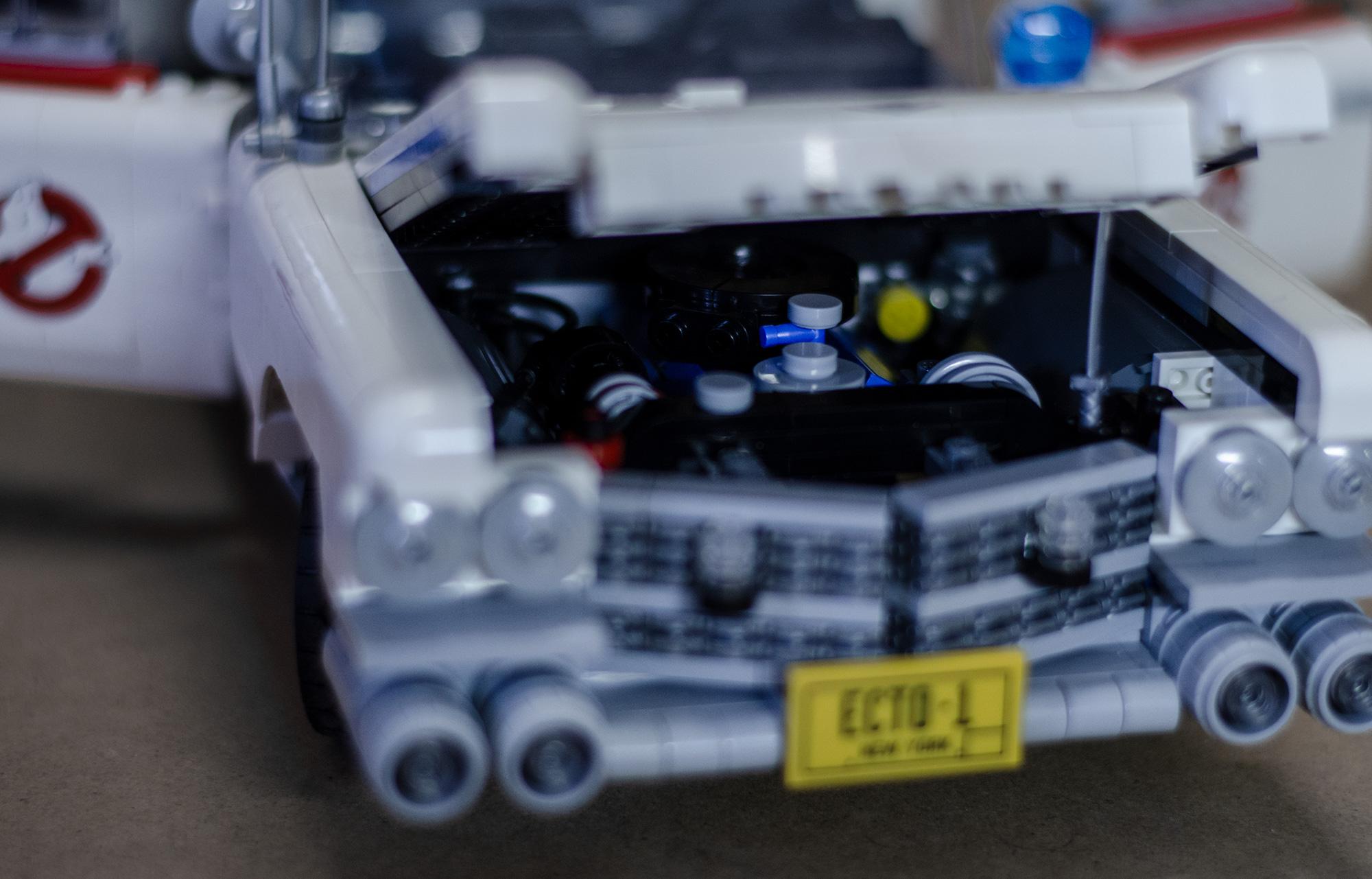 Lego-10274-ecto-1.004_motorization-mod-engine